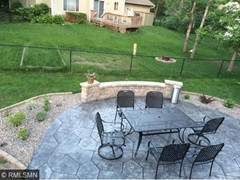 Large patio w built-in fire pit